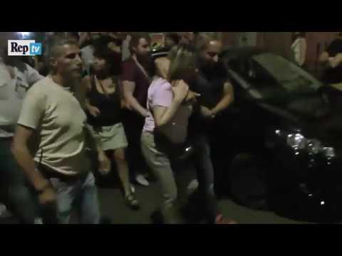 Agenti in borghese aggrediti e scontri polizia