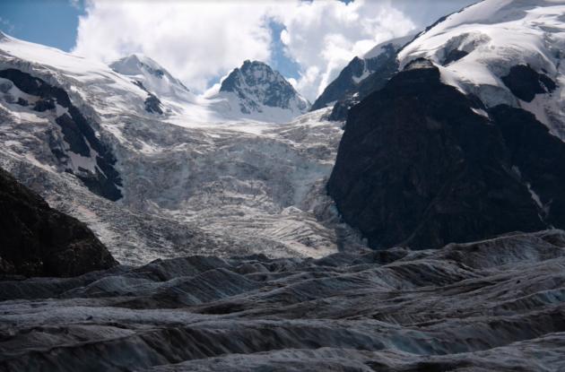 """Alpi, lo studio italiano rivela: """"I ghiacciai contengono sostanze radioattive e metalli pesanti. Colpa delle attività umane"""""""
