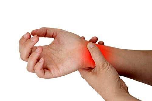 Infrazione stiloide radiale, quale terapia?