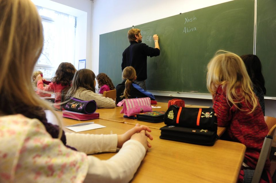Gli insegnanti sardi tra i più anziani d'Italia