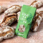 Pane da farina di grillo in vendita in Finlandia