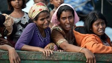 Myanmar, la fuga tragica dei Rohingya: almeno 6.700 morti in un mese per le violenze