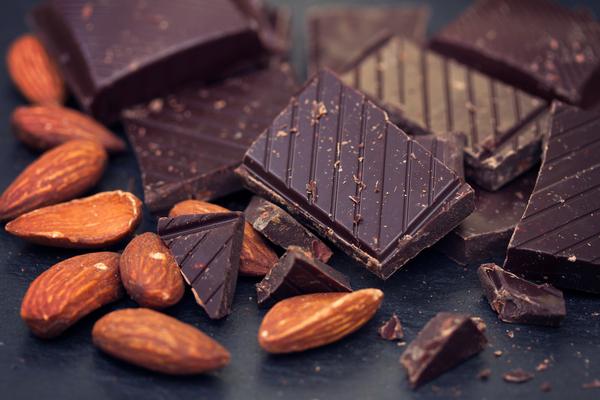 Torroncini di cioccolato e mandorle