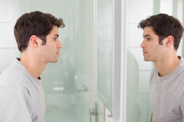 Come aumentare l'autostima: i consigli di un esperto
