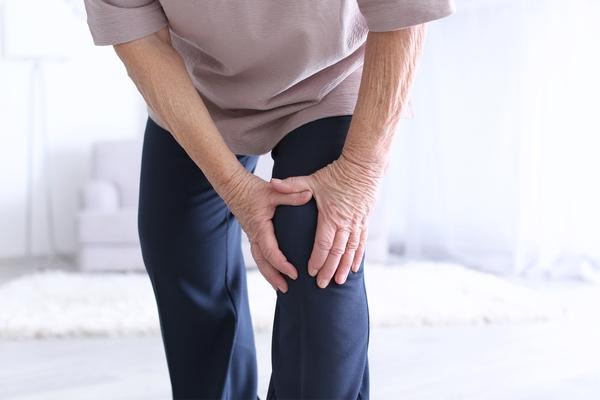 Artrite: come si manifesta e quali sono i rimedi più efficaci