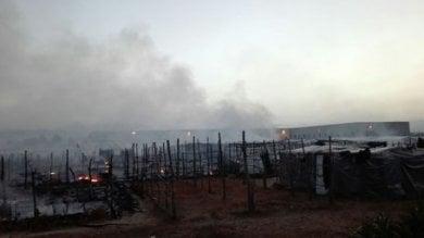 Gioia Tauro, due settimane dopo il rogo mortale ancora disastrose le condiioni di accoglienza e sicurezza