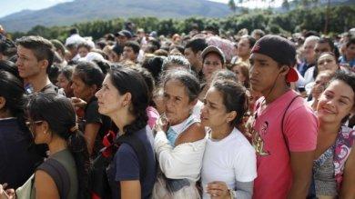 Venezuela, una crisi incontrollata del diritto alla salute costringe alla fuga migliaia di persone