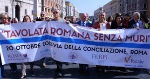 Tavolata romana senza Muri - 20 ottobre photo Carmelo di Stefano (2)