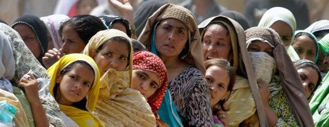 """Pakistan, 629 spose schiave vendute in Cina: si guadagnano 58mila euro per ogni """"vendita"""", alle famiglie solo 1.160"""