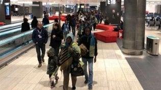 I migranti eritrei respinti illegalmente in Libia sono arrivati all'aeroporto di Fiumicino con un visto d'ingresso per chiedere protezione