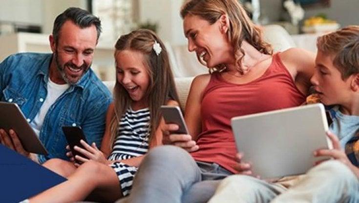 """Educazione digitale, i premi al progetto """"Neoconnessi"""" dedicato a famiglie e scuole per l'uso responsabile di Internet"""