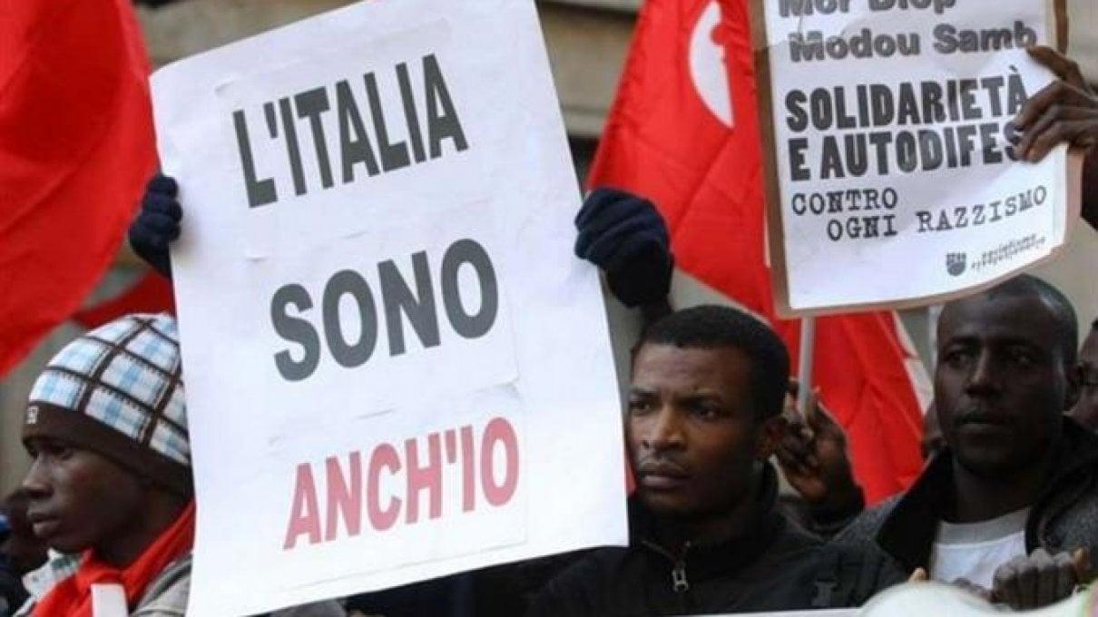 Cittadinanza, gli italiani che vivono all'estero da sempre possono averla facilmente, ma non è così per gli stranieri nati nel nostro Paese
