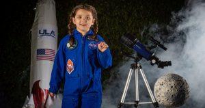 Elisabeth, 7 anni, sarà la prima bambina al mondo ad inviare qualcosa sulla Luna.